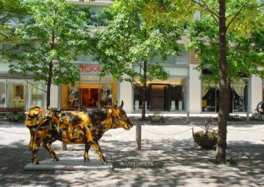 「モトモトノモト」|カウパレード 東京 in 丸の内 2006
